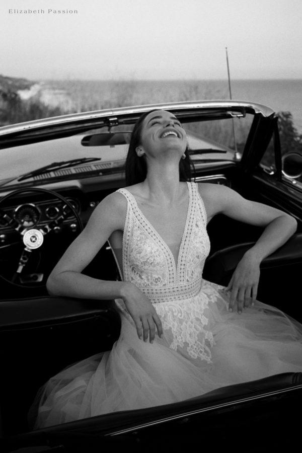 Brautkleid Elizabeth Transparent Rocksaum Blumendeko V Ausschnitt Tüll Spitze A Linie Schulterträger E 4460t 07