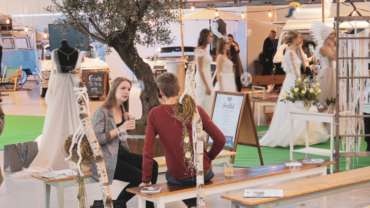 Brautkleid Messe Trau Freiburg Hochzeitsplanung Standesamt Modenschau