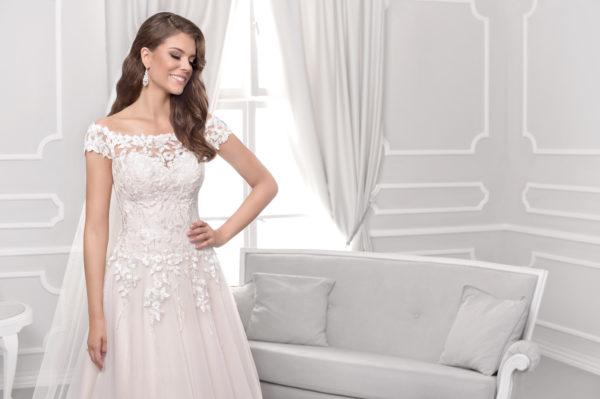 Brautkleid Mode De Pol Agnes Pailletten Blumendeko Herzausschnitt Tüll A Linie Carmen Ka 18075t 03