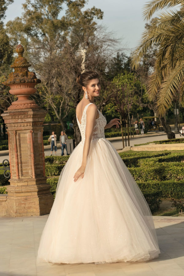 Brautkleid Mode De Pol Agnes Bridal Dream A Linie Prinzessin Tuell Herzausschnitt Glitzertuell Transparent Perlen 3d Optik Ka 20003 02.jpg