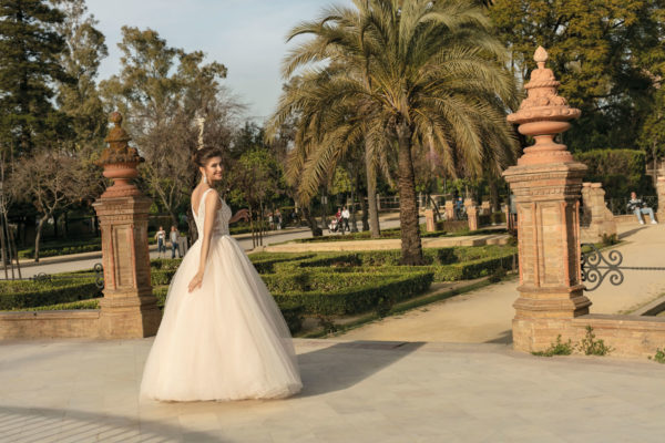 Brautkleid Mode De Pol Agnes Bridal Dream A Linie Prinzessin Tuell Herzausschnitt Glitzertuell Transparent Perlen 3d Optik Ka 20003 04.jpg