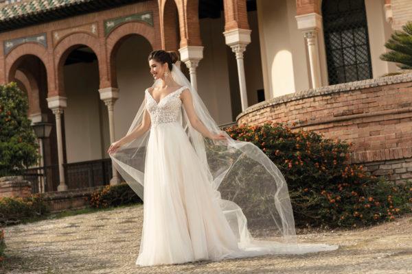 Brautkleid Mode De Pol Agnes Bridal Dream A Linie Tuell Herzausschnitt Glitzertuell Transparent Blumendeko 3d Optik Perlen Ka 20076t 03.jpg