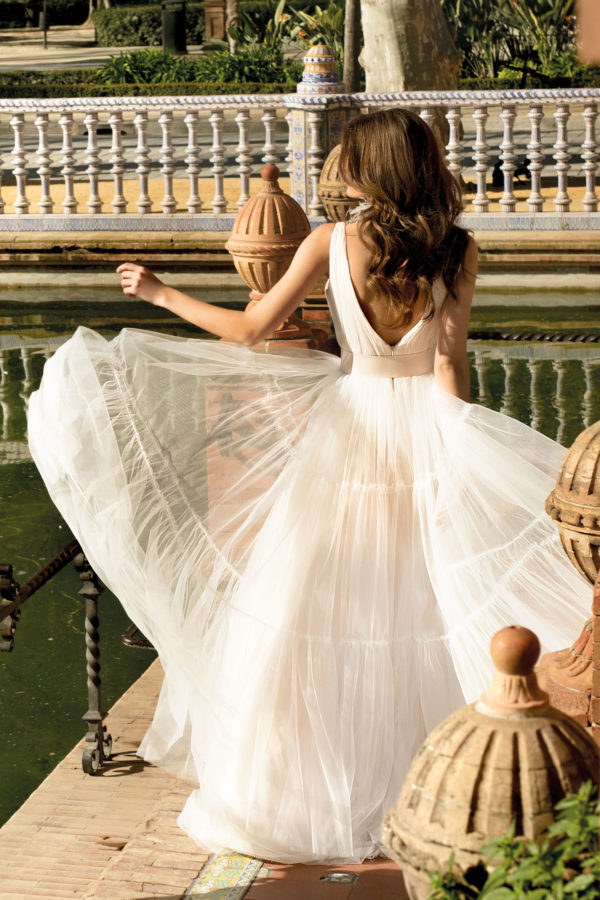 Brautkleid Mode De Pol Agnes Bridal Dream A Linie Tuell V Ausschnitt Guertel Mit20querlaeufer Schlicht Boho Ka 20073 02.jpg