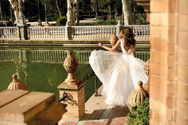 Brautkleid Mode De Pol Agnes Bridal Dream A Linie Tuell V Ausschnitt Guertel Mit20querlaeufer Schlicht Boho Ka 20073 04.jpg