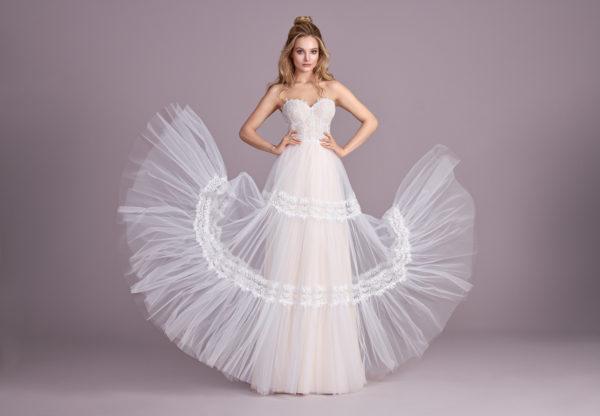 Brautkleid Mode De Pol Elizabeth Boho Mit Querläufer Herzausschnitt Tüll Spitze A Linie Trägerlos E 4431 03