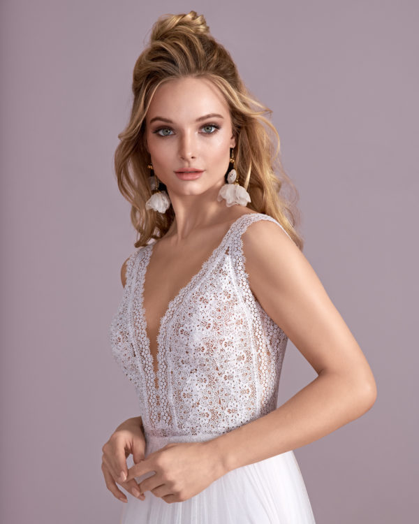 Brautkleid Mode De Pol Elizabeth Boho Transparent Mit Querläufer V Ausschnitt Tüll Empire Schulterträger E 4425t 03