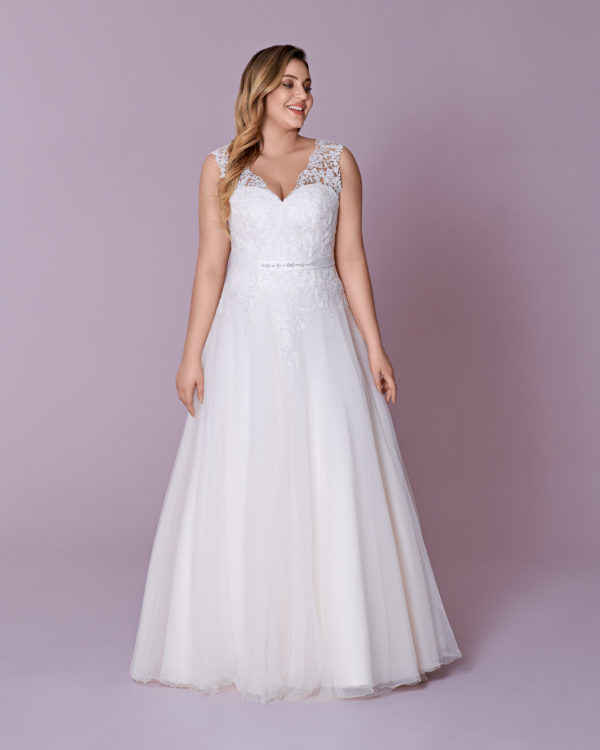 Brautkleid Mode De Pol Elizabeth Curvy Strassapplikation Blumendeko Gürtel Herzausschnitt Tüll A Linie Schulterträger M 148t 01