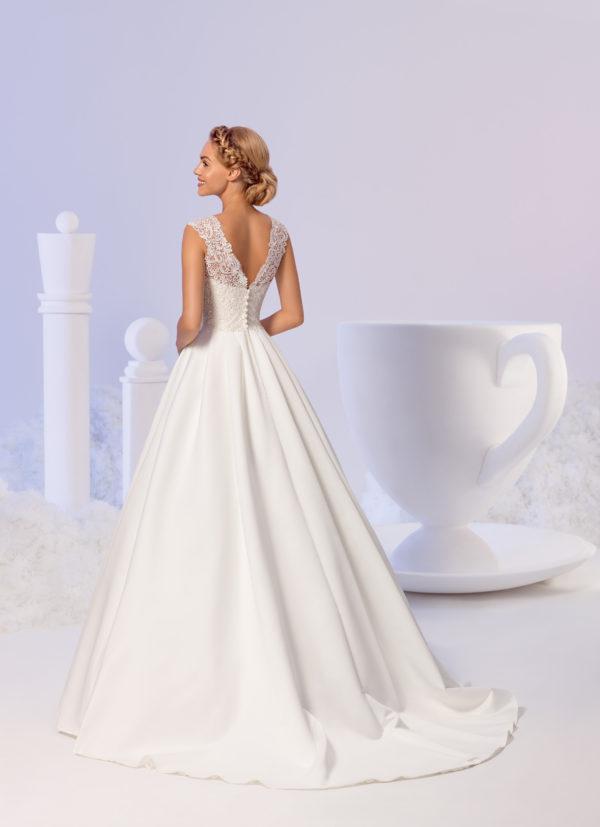 Brautkleid Mode De Pol Elizabeth Satin Schlicht Mit Tasche V Ausschnitt Herzausschnitt Satin Prinzessin A Linie Schulterträger E 3823t 02