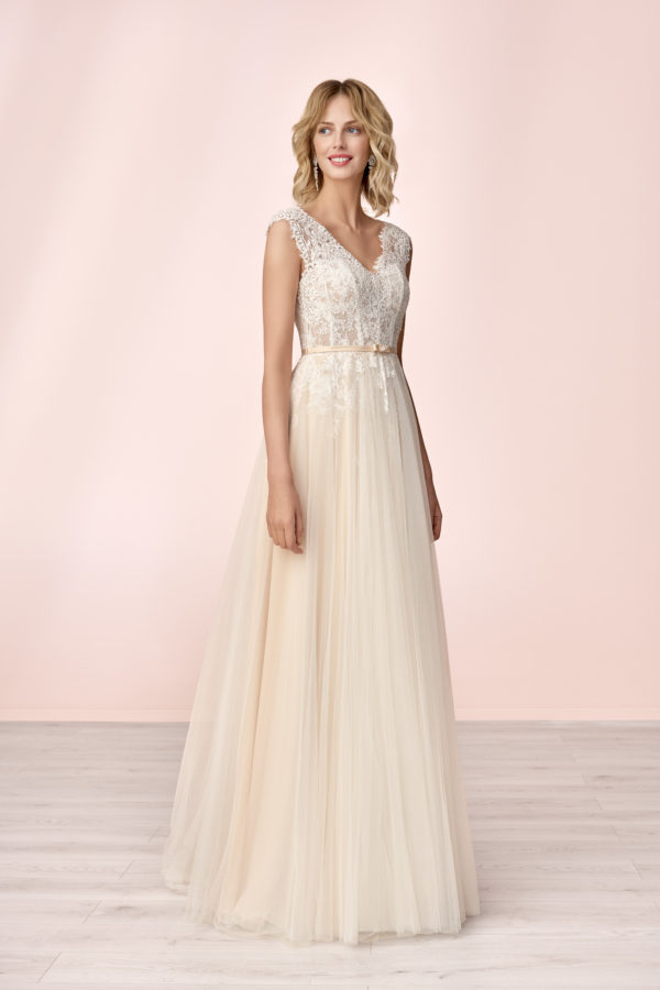 Brautkleid Mode De Pol Elizabeth Strassapplikation Gürtel Herzausschnitt Tüll A Linie Schulterträger E 4133t 01
