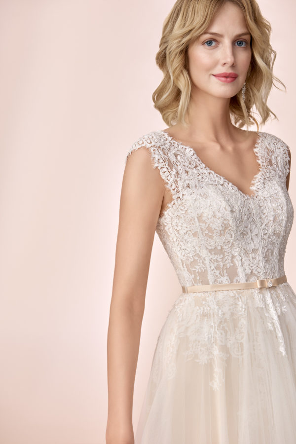 Brautkleid Mode De Pol Elizabeth Strassapplikation Gürtel Herzausschnitt Tüll A Linie Schulterträger E 4133t 03