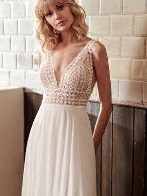 Brautkleid Mode De Pol Elizabeth Passion A Linie Etui Chiffon V Ausschnitt Transparent 3d Optik Boho Perlen E 4827t 01 1.jpg