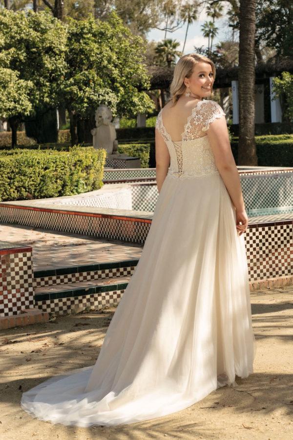 Brautkleid Mode De Pol Lovely A Linie Tuell Herzausschnitt Glitzertuell Schnuerung Curvy Schlicht Blumendeko Lo 223t 02.jpg