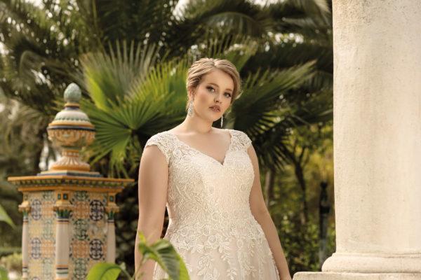 Brautkleid Mode De Pol Lovely A Linie Tuell Spitze V Ausschnitt Herzausschnitt Glitzertuell Curvy Blumendeko Pailletten Lo 206t 03.jpg