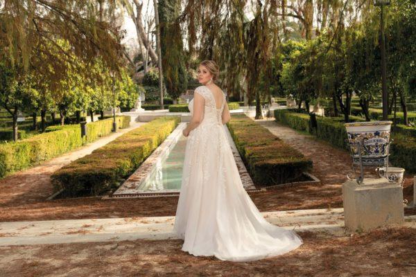 Brautkleid Mode De Pol Lovely A Linie Tuell Spitze V Ausschnitt Herzausschnitt Glitzertuell Curvy Blumendeko Pailletten Lo 206t 05.jpg