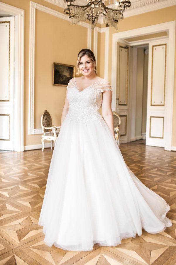 Brautkleid Mode De Pol Lovely Glitzertüll Schnürung Curvy Perlen Pailletten 3d Optik Herzausschnitt Tüll Prinzessin A Linie Schulterträger Lo 62t 01 1.jpg