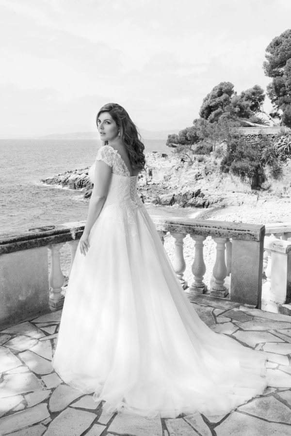 Brautkleid Mode De Pol Lovely Schnürung Curvy Herzausschnitt Tüll Prinzessin A Linie Schulterträger Lo 39t 04 1.jpg