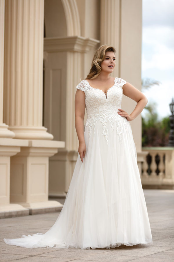 Brautkleid Mode De Pol Lovely Schnürung Curvy Perlen Pailletten 3d Optik Herzausschnitt Tüll A Linie Prinzessin Schulterträger Lo 166t 03 1.jpg