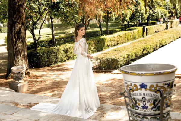 Brautkleid Mode De Pol Theone A Linie Carmen Chiffon Tuell Illusionsdekollete Transparent Schlicht To 1105t 04.jpg