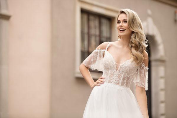 Brautkleid Mode De Pol Theone Transparent Blumendeko Spaghettiträger Herzausschnitt Tüll A Linie Schulterträger To 1034t 03