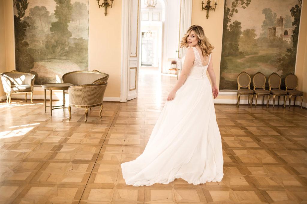 Brautkleid Mode De Pol Lovely übergröße Schleppe