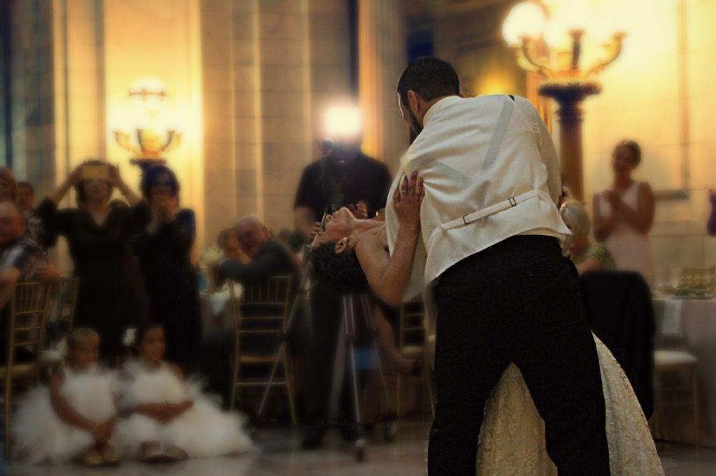 Hochzeitsmesse Brautmode Hochzeitskleid Verlobungsring Hochzeits Location Musik Heiraten Fotograf
