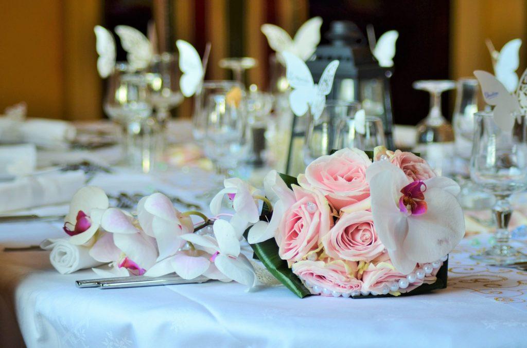 Hochzeitsmesse Brautmode Hochzeitskleid Verlobungsring Hochzeits Location Tischdekoration Fotograf